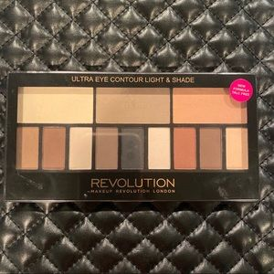 Makeup Revolution Eye Contour Light Shade Palette